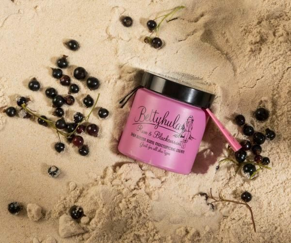 BETTY HULA Shea Butter Body Moisturiser Rum & Blackcurrant