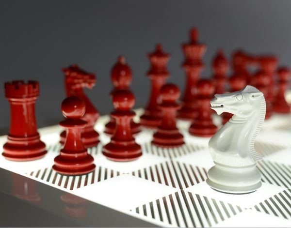 PURLING LONDON Dark Chess Set - Classic Red & Gloss White